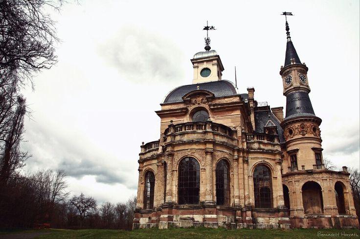 Castle of Tura, Hungary
