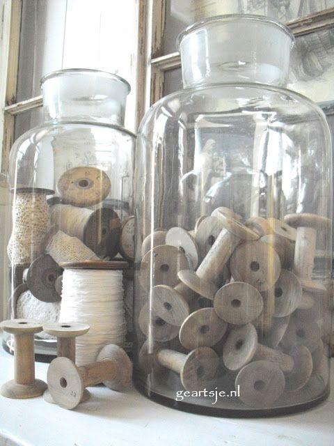 Bobines anciennes, flacon apothicaire, brocante, déco brocante