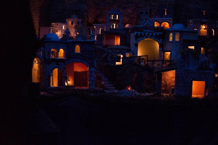"""""""Le mille e una notte"""" Presepe in stile arabo. Accademia del Presepe di Bellosguardo (SA)  Arab Style Nativity Scene """"Le mille e una notte""""  Arte Presepiale Presepi d'autore Materiali Riciclati Fai da te Artigianato Locale Borghi Rurali Bellosguardo (SA)"""