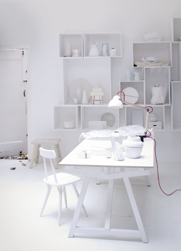 working space.....Beautiful white photos from vtwonen JAN2013  - styling Cleo Scheulderman / photo's Jeroen van der Spek