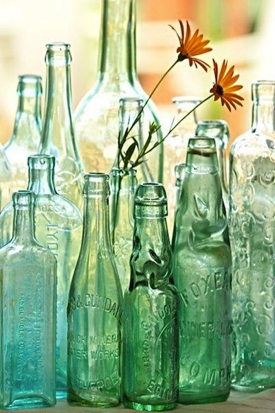 1000 ideas about colored vases on pinterest vase for Colored bottles for decorations