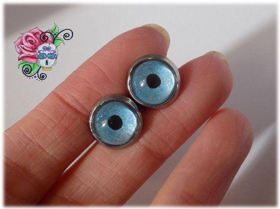 Boucles d'oreilles Yeux Bleu Acier par ValniDesignsJewelry sur Etsy