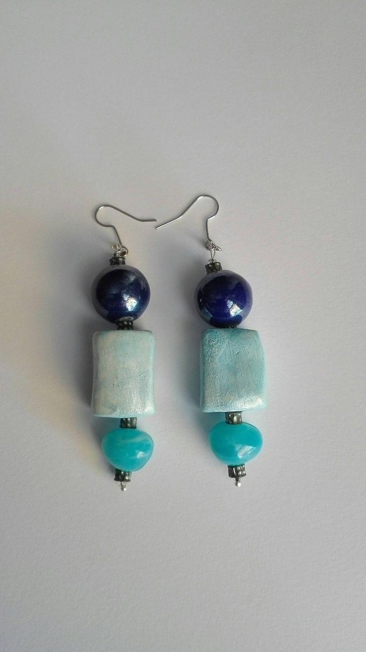 orecchini areceramica in ceramica azzurri,  perle di vetro turchesi fatti a mano nichel free di AreCeramica su Etsy