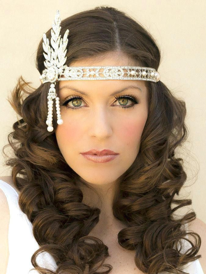 35 Classic And Timeless Hairstyles Of The 20s For Women Classic Hairstyles Timeless Women Hai Gatsby Hair Gatsby Hairstyles For Long Hair Flapper Hair