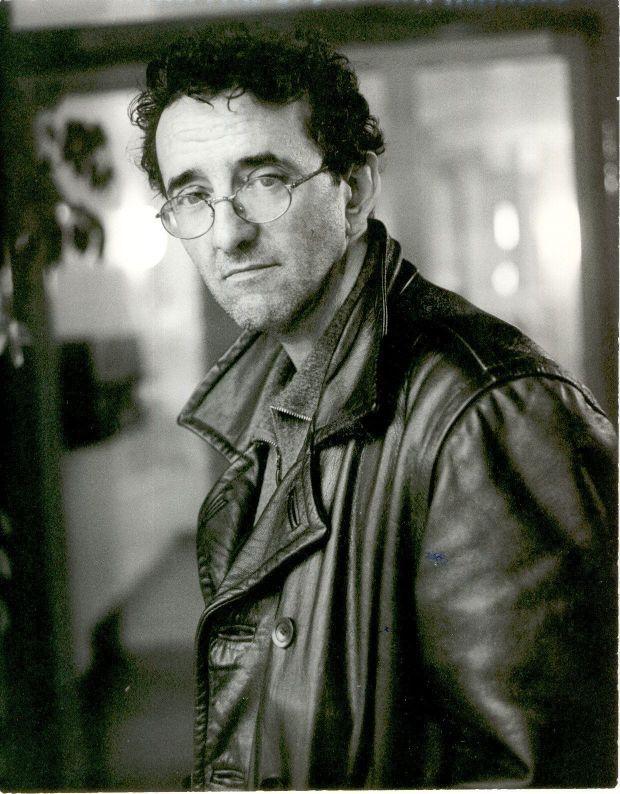 Un libro es la mejor almohada que existe - Roberto Bolaño