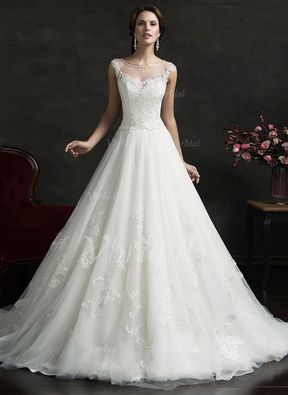 Forme Marquise encolure dégagée Traîne moyenne Tulle Robe de mariée avec Motifs appliqués Dentelle (0025061656) - Vbridal