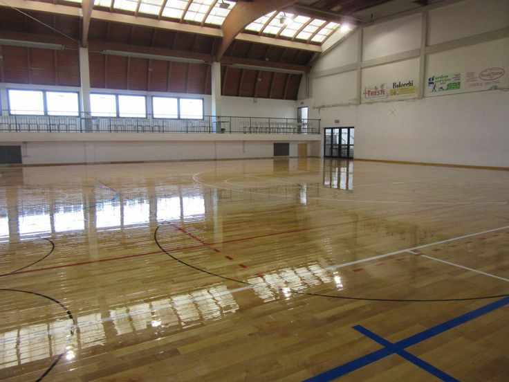 The #skating paint #treatment as that performed by the DR brand in Friuli does not affect the #grip of the footwear during traditional activities such as basketball, volleyball or soccer 5