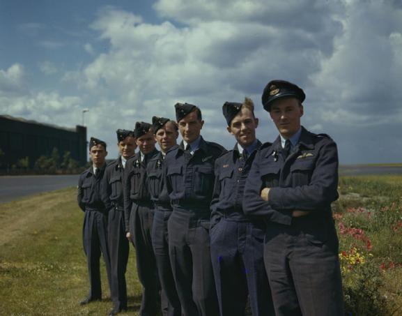 617 SQUADRON DAMBUSTERS SCAMPTON LINCOLNSHIRE 22 JULY 1943 (TR 1126)