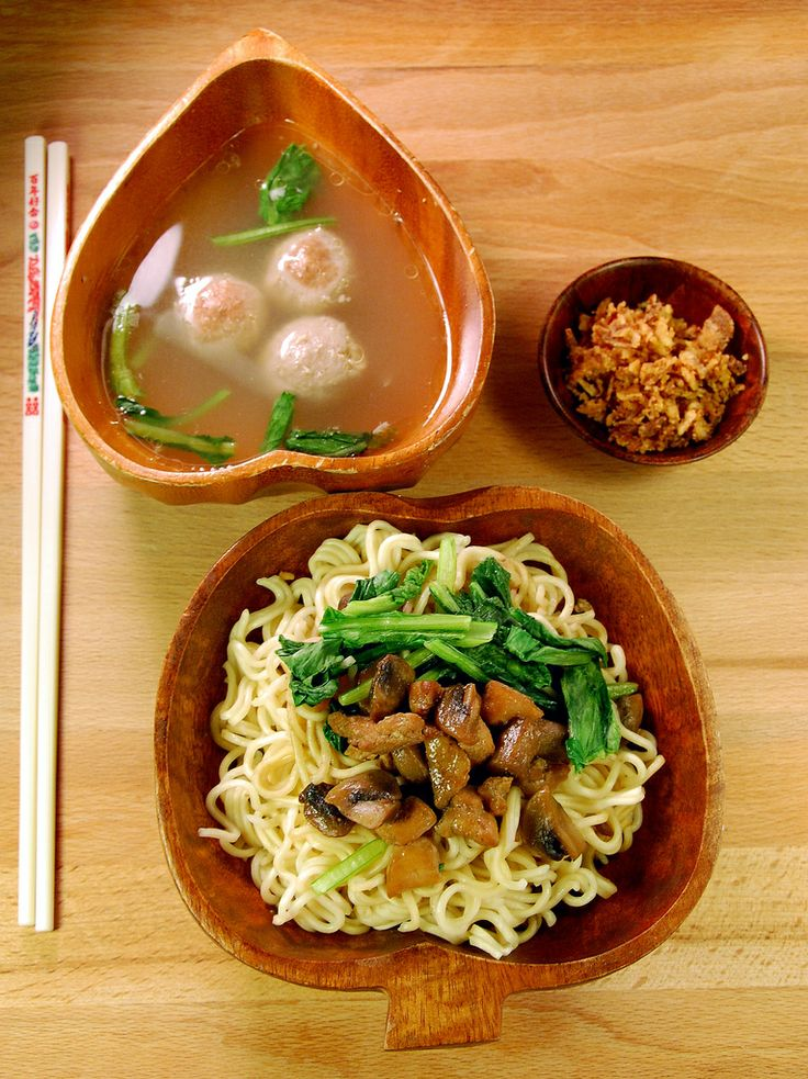 Mie ayam jamur -- delicious traditional indonesian noodles +sweet chicken and mushroom.