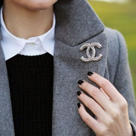 It's all about the brooch