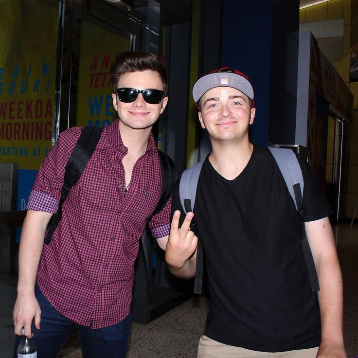 chris colfer and a fan in Toronto 7/7/17