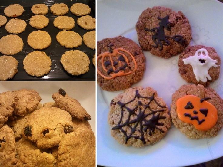 Galletas! otra alternativa para Halloween :)   Tratando de promover la comida saludable, cociné estas galletas de avena, canela, pasas y nueces, más glaseado para decorar. Quedan riquísimas y sirven también como snack.