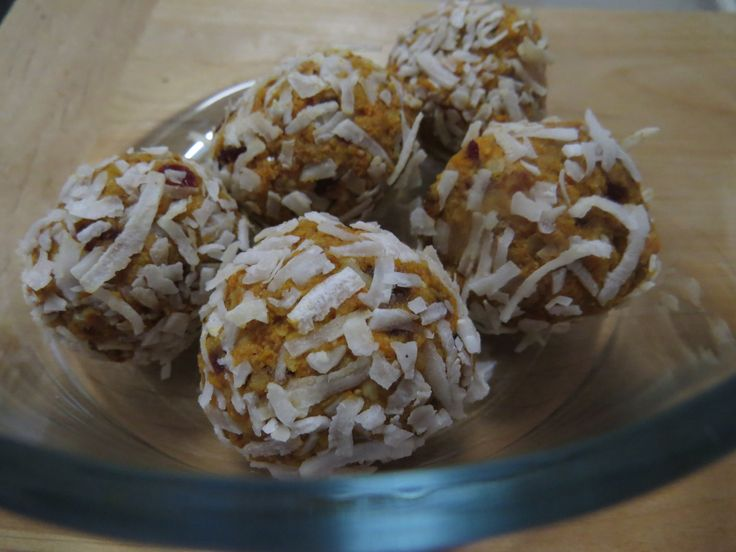 Did someone say tiny little delicious, scrumptious, healthy carrot cake balls? Yes! This is a recipe you'll use every week. It is so quick and easy and you can have them as a sneaky treat whe…