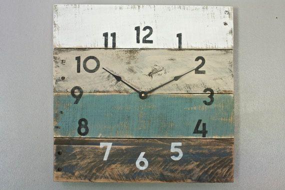 Reloj de madera de palet estilo de casa de por terrafirma79 en Etsy