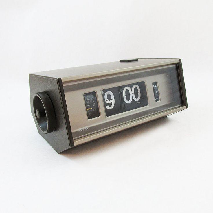 9 best flip clock images on pinterest flip clock alarm clocks and alarm clock. Black Bedroom Furniture Sets. Home Design Ideas