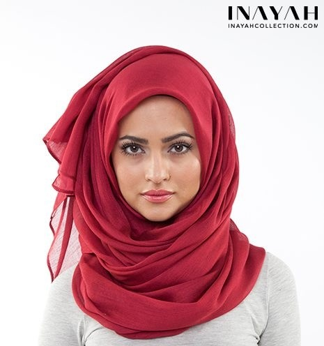 Simple and pretty hijab style.