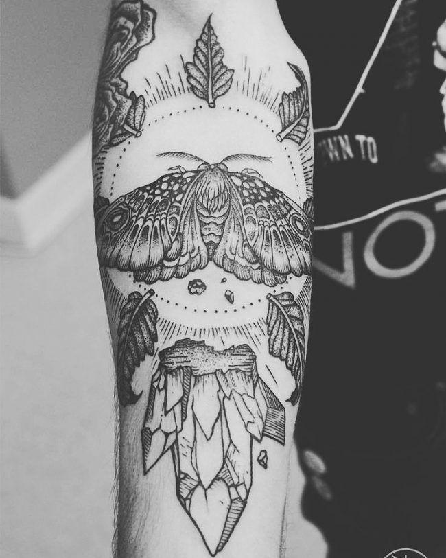 85 + merveilleuses idées de tatouage Moth – Body Art qui correspond à votre personnalité  Art Corporel