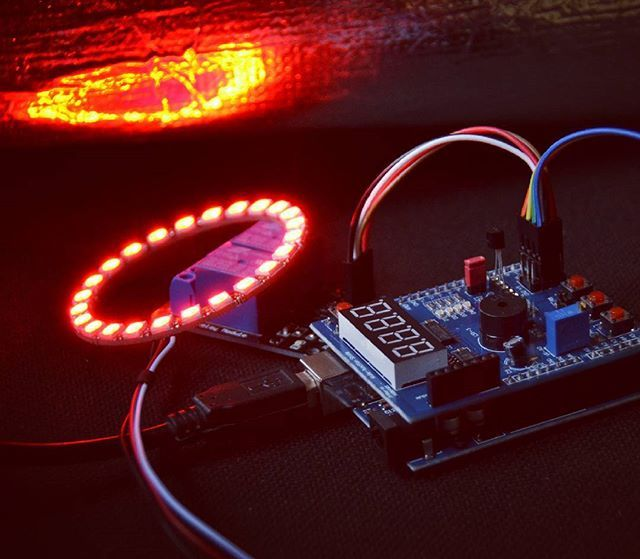 #toy :-) #ws2812b #rgbled #circle #rainbow #flame #protoboard #ProtoShield #arduino #arduinouno #atmega328  #diy #engeneering #diyelectronics #geek #nerd