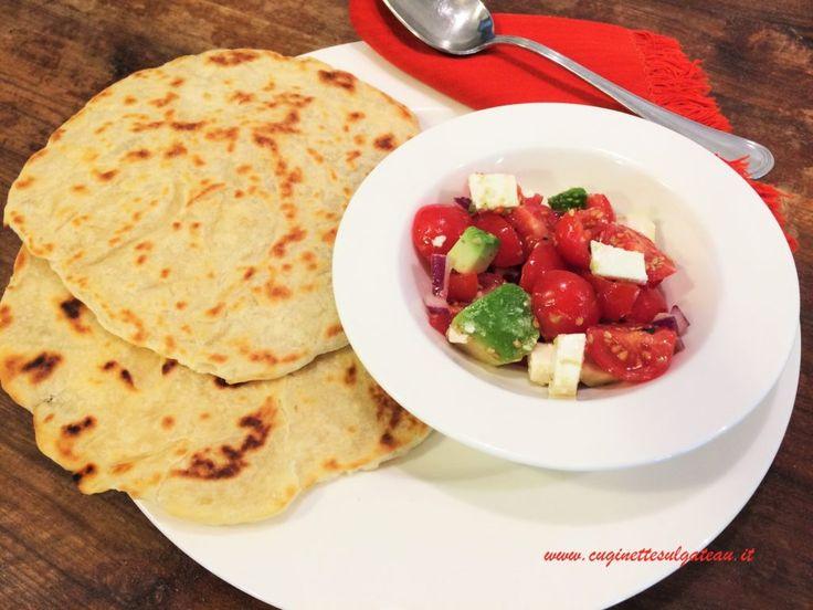 Tortillas bianche (senza lievito e senza strutto) con insalata di pomodori e feta   Cuginette sul gâteau