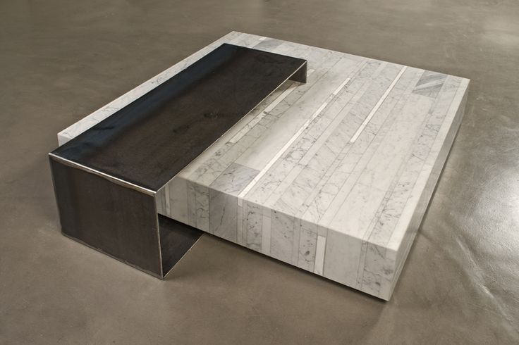 Ta_Volo is a low square coffee table designed by Franz Siccardi for Salvatori. In Bianco Carrara marble