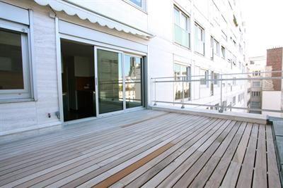 Immobilier: Paris 6ème Jardin du Luxembourg 4 Pièces Terrasse plein sud de 17m2, Balcon, Parking 170m2 refait à neuf. Loyer mensuel: 6950€