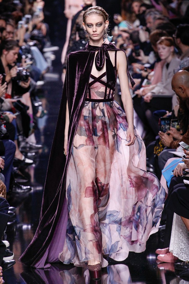 Elie Saab Autumn/Winter 2017 Ready to Wear Collection. Love the velvet cape over delicate floral chiffon!