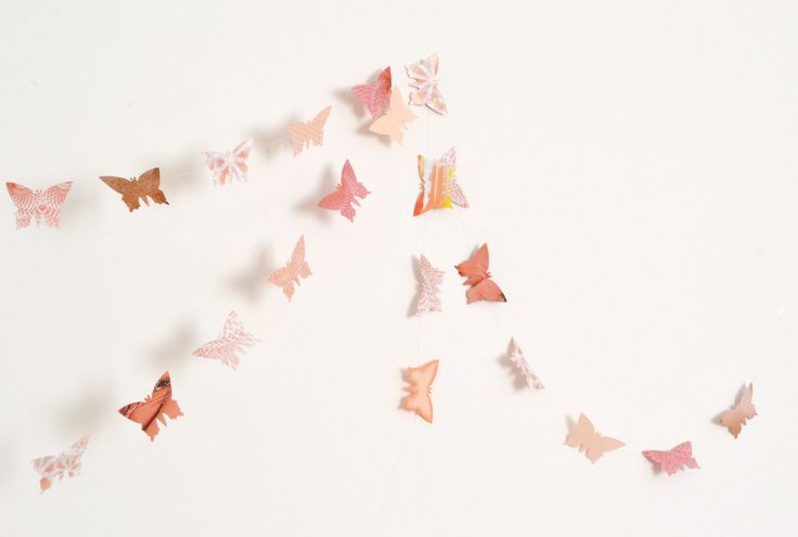 Peach and antique pink paper butterflies garland - wall decor, wedding decoration - pinned by pin4etsy.com