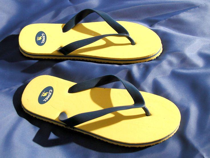Gelbe CAMEL Flip Flops