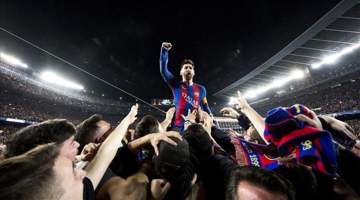 "El mexicano Santiago Garcés, fotógrafo del departamento de Márketing del Barça, captó la foto de Messi que resume ""la euforia colectiva del Camp Nou"""