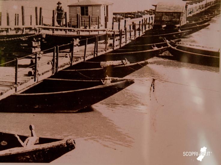 Immagine di repertorio ponte di barche tra boretto e for Disegni di ponte anteriore