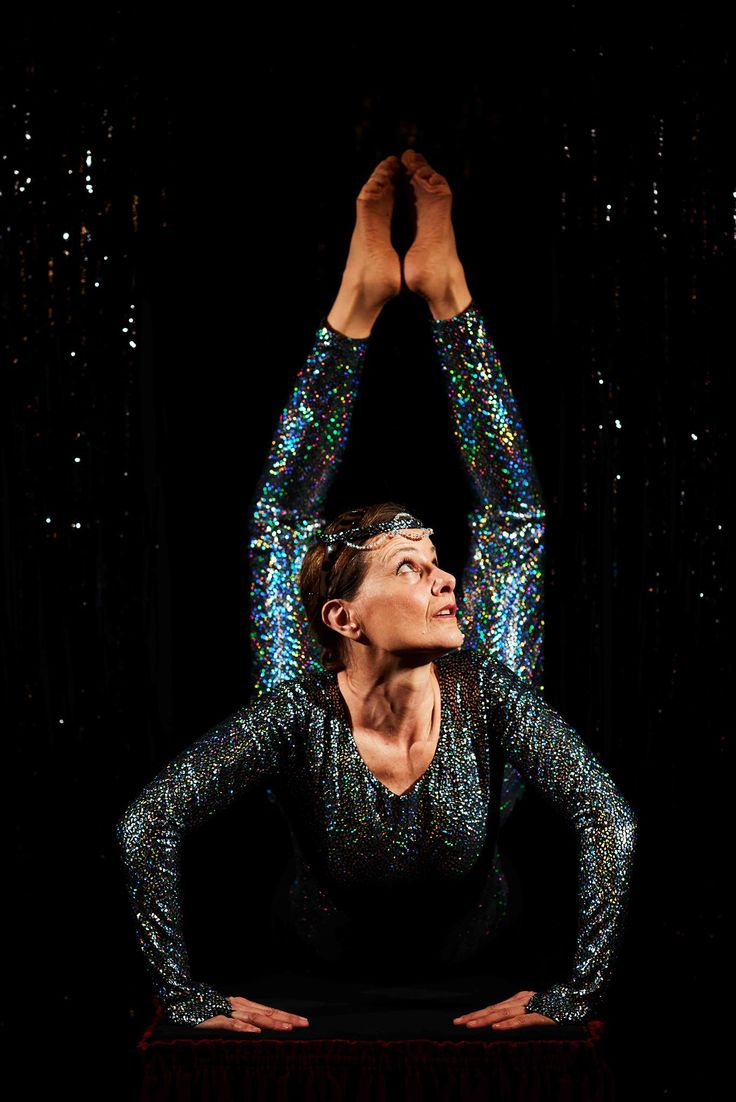 Anette Katzmann. Skuespiller i gæste-forestillingen UDSPRING på Teatret ved Sorte Hest 2016  Fotograf Robin Skjoldborg