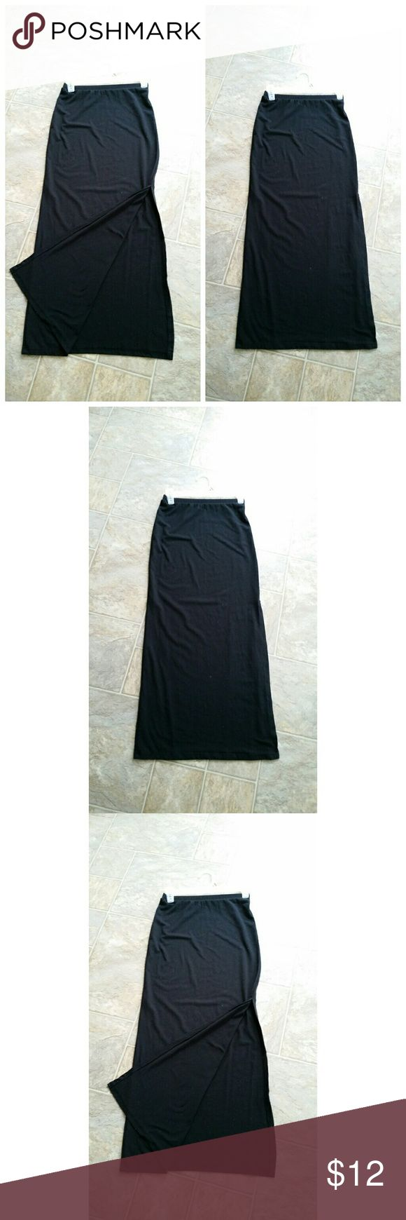 Maxi skirt with Slit Black, cotton maxi skirt with slit on the side. Really soft, comfy and cute :) only worn a few times. About 36 inch length Skirts Maxi
