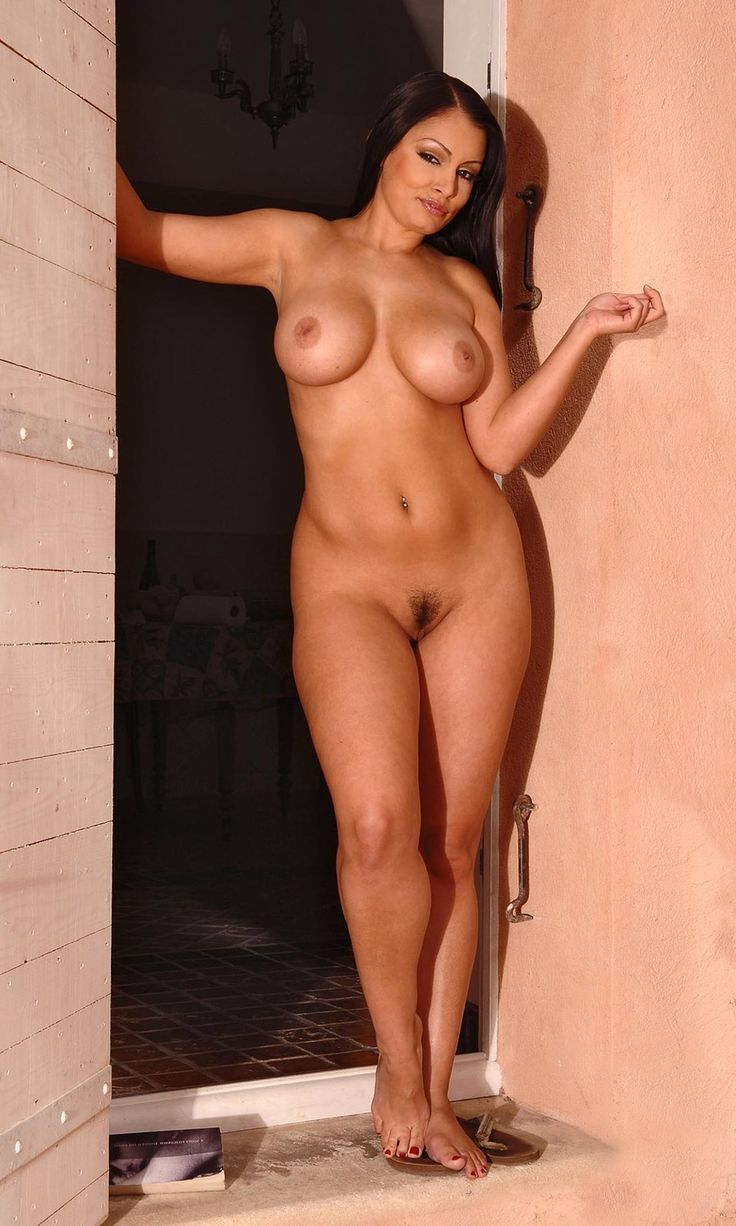 Assured, aria giovanni nude video clip