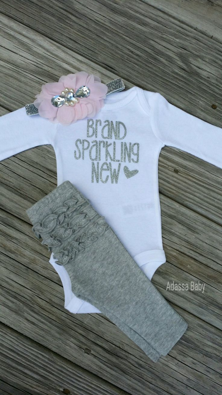 Dress your little princess up in this oh so pretty and chic Newborn take home outfit. Perfect for taking your new baby girl home from the hospital, her first photo session or an awesome baby shower gi