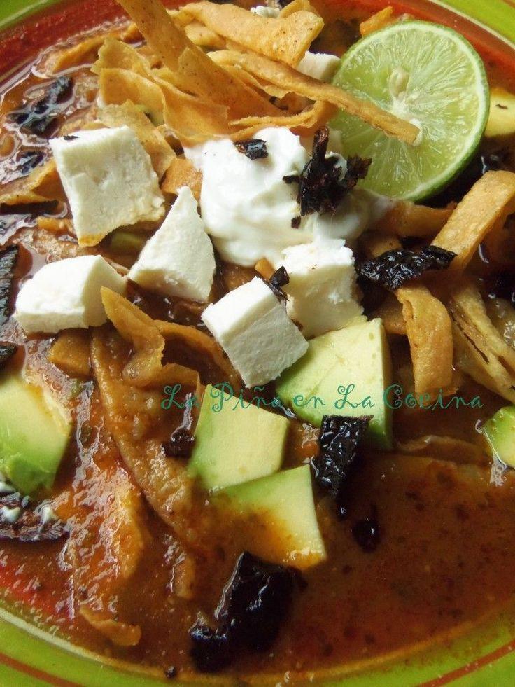 Sopa Azteca~ Sopa de Tortilla | La Piña en la Cocina