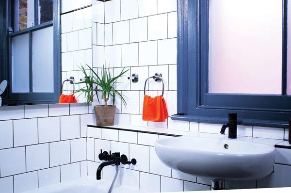 Comment ajouter des accessoires de salle de bains sans perçage | Sugru