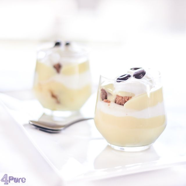 Irish coffee trifle  - English recipe - Creamy vanilla custard, cake slices soaked in Irish coffee and all build into a trifle, included even some whipped cream. This is a delicious dessert for Valentine's Day!