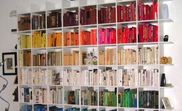 Soluzioni innovative per dividere un ambiente casalingo http://bit.ly/1AdigHZ #design #arredamento #casa dividere un ambiente casalingo con libreria