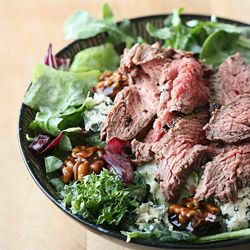 Black and Blue Flank Steak Salad: A steakhouse classic gets a stylish makeover for Kitchen Play's February event.     darlingclementine