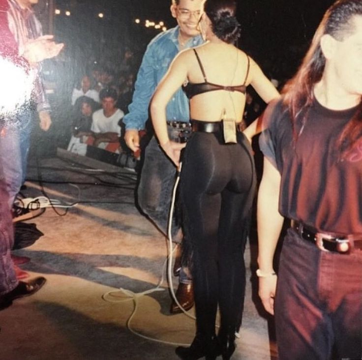 Great and Rare #Selena pictures! If you know who took the photo, then please let me know.  I would like to give credit.