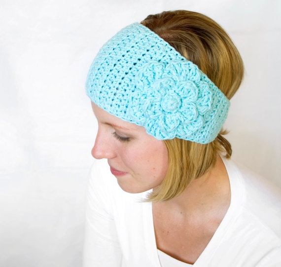 Crochet ear warmer! Saw someone selling these at an art fair this ...