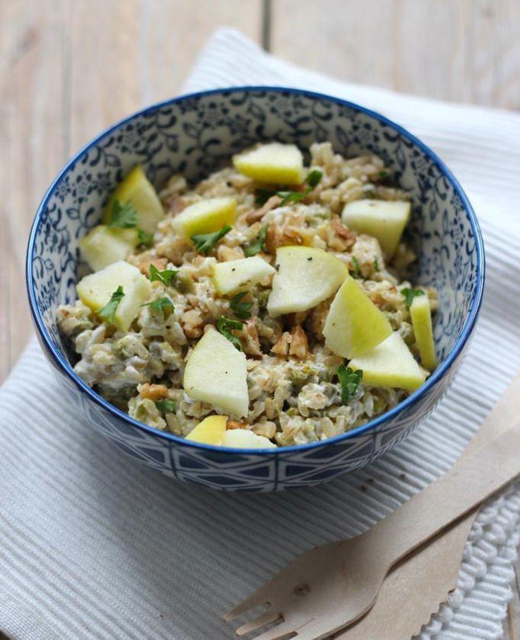 Vandaag weer een lekker recept voor een rijstsalade met onder andere appel en walnoot. Lekker als lunch of als bijgerecht. Recept voor 2 personen Tijd: 20 min. Dit heb je nodig: 1 appel 150 gram (zilvervlies)rijst handje walnoten 2 el…