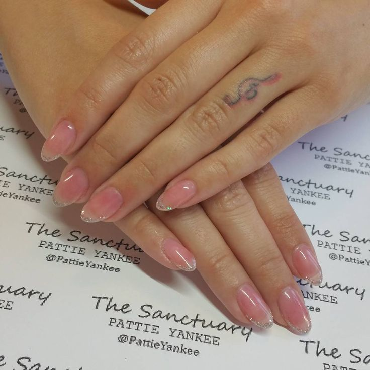 My beautiful songbird @priscillaraine #naturalnails #gelpolish @orlynails #barerose #skinnyfrench #silverglitter #almomdnails #wegrownails #nofilter #thesanctuary #patricianaillacquer #patriciayankee #rickysnyc