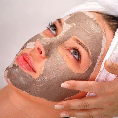 Wirkungsvolle Anti-Pickel-Maske gegen unreine Haut und Mitesser mit nur 2 Zutaten. www.ihr-wellness-magazin.de