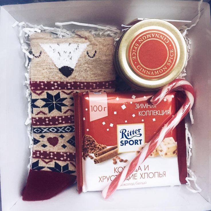 Выразите свою любовь с помощью такого милого новогоднего подарка❤️ Он согреет любое сердце❤️ #новыйгод #новыйгод2018 #сладкийподарок #лучшийподарок #подарок #подарочныйнабор #подарочныенаборы #подарокдлянеё #подароклюбимой #подарокмаме #подарокнанг #подарокнановыйгод #горки10 #звенигород #одинцово #маме #девушке #любимой #барвиха #рублевка #красногорск #одинцовскийрайон #носки #новогодниеноски #свеча