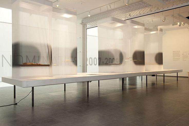 Fototentoonstelling of expositie? Print op textiel doek, eventueel met frame en verlichting.