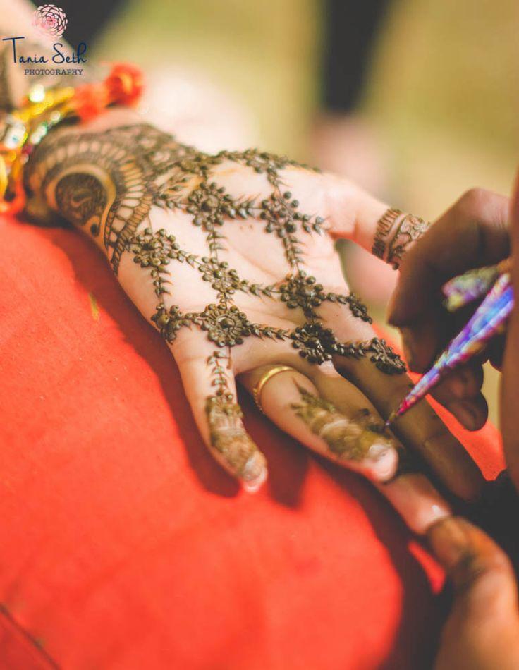 Mehendi Designs - Beautiful Hand Jaal work Mehendi for the Sister of the Bride | WedMeGood | #wedmegood #mehendi designs #mehendi #indianwedding #indianbride #jaalwork