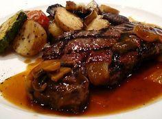 Lomo de cerdo al horno con papas y verduras