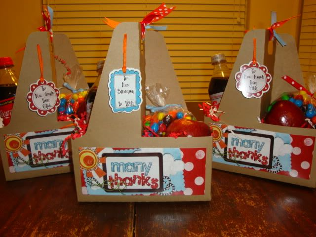 sonic drink holders filled with fun stuff!  OMG...SO CUTE!: Holders Fillings, Teacher Gifts, Drinks Holders, Gifts Baskets, Teacher Appreciation, Gifts Ideas, Sonic Drinks, Fun Stuff, Thanks You Gifts