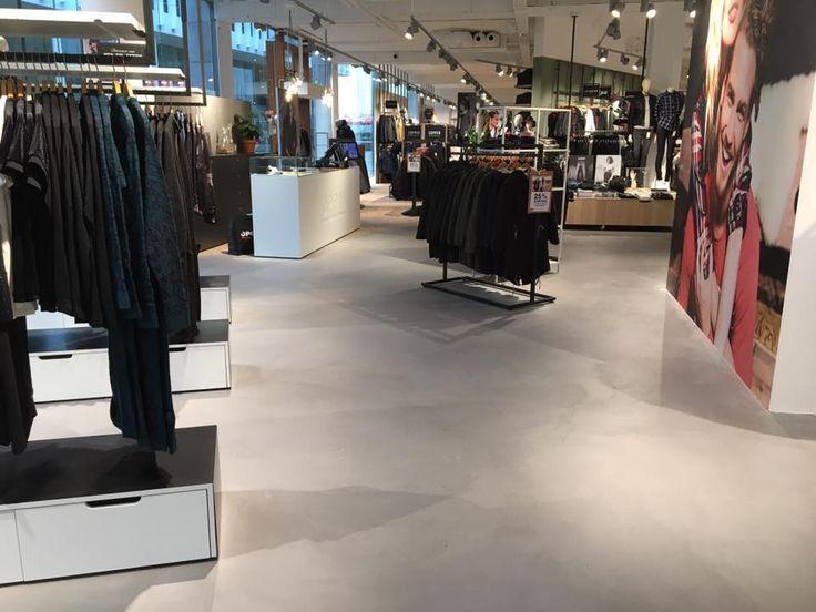 Winkelvloer: Leef-Beton vloer winkelpand Maastricht